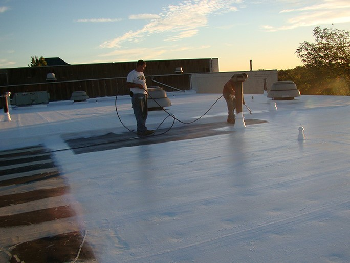 Contractors Apply EPDM Roof