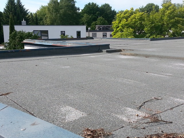 How To Drain Water From a Flat Roof